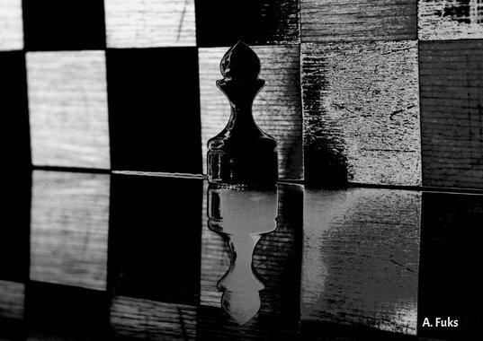 Фото натюрморта - Пешка