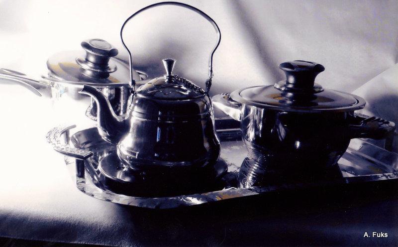 Фото натюрморта - Метал. посуда