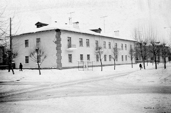 кирова 25